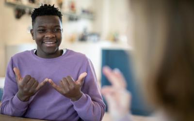 12 bonnes raisons d'apprendre la langue des signes!